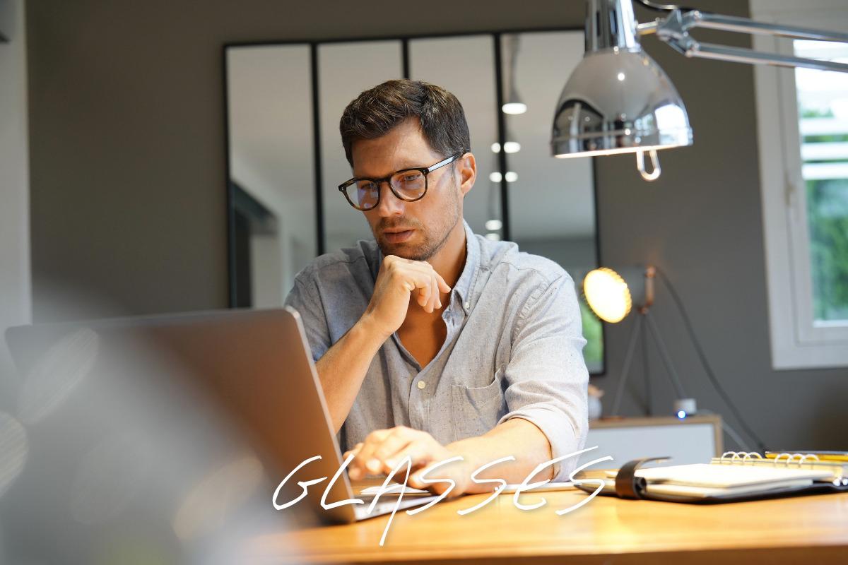 【2021年 メンズ 流行りのメガネ】おしゃれなメンズに流行りのメガネや人気のフレームをご紹介