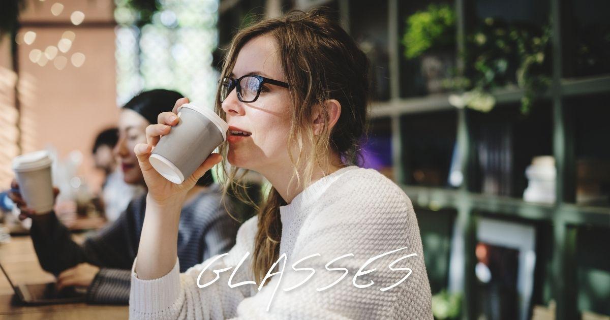 【2021年 流行りのメガネ】オシャレな女性に人気のメガネフレーム | オススメの最新トレンド