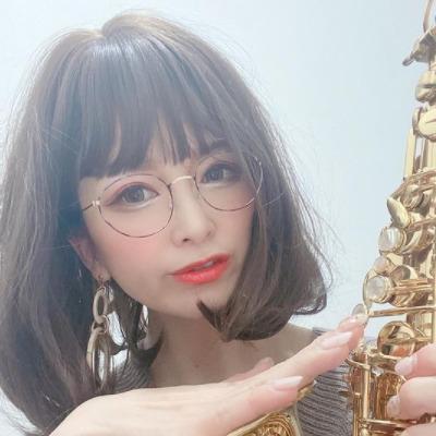 Nazuki_officialさんメガネ着用画像001